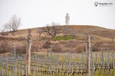 Gigantikus Krisztus szobor Tokaj-Hegyalján - Nyolc és fél méter magas, gránitból készült Áldó Krisztus szobrot állítottak fel Tarcalon. 2015,márciusban  Hegyalja.info Vineyard, Outdoor, Outdoors, Vine Yard, Vineyard Vines, Outdoor Games, The Great Outdoors