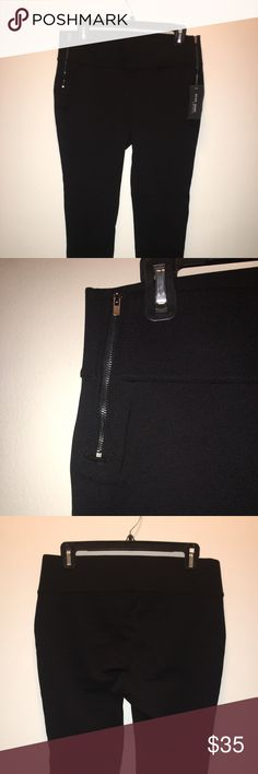 SKINNY JEANS! Perfect with tags, black skinny pants! Inseam '29, from waist to bottom '36, waist '32, 4% spandex Pants Trousers
