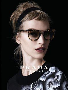 0d725592abc618 Prada Prada Femme, Lunettes De Soleil Prada, Yeux, Cheveux, Mode, Haute