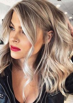 113 Fantastic Brunette Balayage Hair Color Ideas to Look Amazing – Hair – Hair is craft Hair Color Balayage, Fall Blonde Hair Color, Thick Blonde Hair, Light Blonde, Make Up Blonde Hair, Long Blonde Bobs, Makeup For Blonde Hair, Balayage Long Bob, Medium Length Hair Blonde