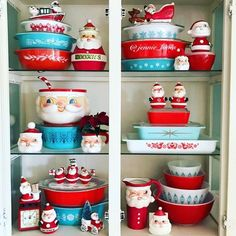 Christmas pyrex collection has definitely got Santa's seal of approval! We're loving the color scheme of wintery blue and… Pyrex Vintage, Vintage Dishware, Vintage Dishes, Vintage Decor, Vintage Kitchen, Christmas Dishes, Christmas Kitchen, Retro Christmas, Christmas Home