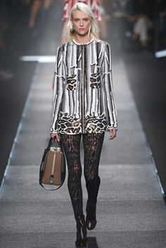 Louis Vuitton RTW Spring 2015 - Slideshow - Runway, Fashion Week, Fashion Shows, Reviews and Fashion Images - WWD.com