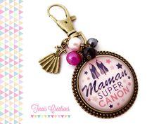 Bijou de sac / Porte clef cabochon - Maman super canon - cadeau noir rose gris etoile breloque bronze : Porte clés par tinais-creations