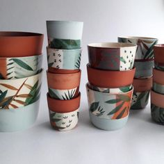 Colorado - - Visit the post for more. Painted Plant Pots, Painted Flower Pots, Pottery Painting Designs, Pottery Designs, House Plants Decor, Plant Decor, Ceramic Painting, Ceramic Art, Decoration Plante