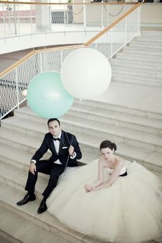 gorgeous… love the giant balloons of course!