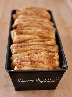 Cinnamon yeast dough to peel off- Cynamonowe ciasto drożdżowe do odrywania Cinnamon yeast dough to peel off - Sweet Recipes, Cake Recipes, Dessert Recipes, Delicious Desserts, Yummy Food, Weird Food, Recipes From Heaven, Polish Recipes, Baked Goods