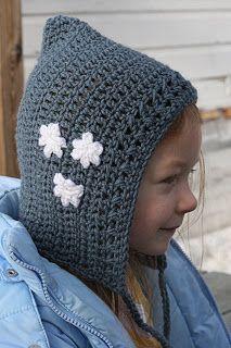 Free Hood Bonnet Crochet Pattern Child http://vallieskids.blogspot.co.uk/2010/02/rohirrim-bonnet.html