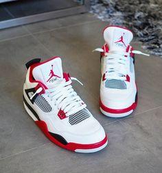 Jordan shoes girls - Behind The Scenes By custom drip – Jordan shoes girls Dr Shoes, Cute Nike Shoes, Cute Sneakers, Nike Air Shoes, Hype Shoes, Shoes Sneakers, Nike Socks, Sneaker Heels, Jordans Sneakers