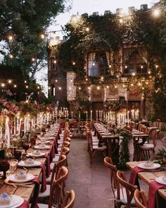 20 Trending Rustic Wedding Table Runner Ideas 2019 Harry Potter inspired vintage wedding reception ideas The post 20 Trending Rustic Wedding Table Runner Ideas 2019 appeared first on Vintage ideas. Magical Wedding, Perfect Wedding, Dream Wedding, Wedding Day, Summer Wedding, Wedding Dinner, Italy Wedding, Fantasy Wedding, Wedding Beach