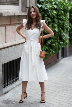 Boho Fashion India Get the dress for 55 at Asos UK - Wheretoget.Boho Fashion India Get the dress for 55 at Asos UK - Wheretoget Simple Dresses, Cute Dresses, Casual Dresses, Romantic Dresses, Simple Dress Styles, Elegant Summer Dresses, Women's Dresses, Spring Look, Spring Summer Fashion