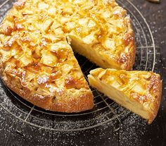 Savory magic cake with roasted peppers and tandoori - Clean Eating Snacks Pear And Almond Cake, Almond Cakes, Beignets, Typical Dutch Food, Happiness Is Homemade, Pear Recipes, Pie Cake, Paleo, Pumpkin Spice Cupcakes