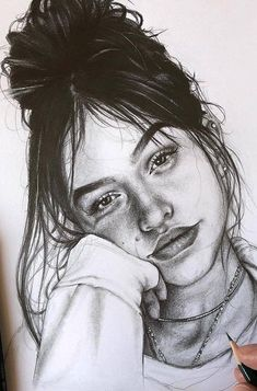 How to Draw with Charcoal! Part charcoal drawing for beginners; charcoal drawing easy drawing for beginners tutorials Pencil Portrait Drawing, Realistic Pencil Drawings, Girly Drawings, Portrait Sketches, Pencil Art Drawings, Drawing Faces, Contour Drawings, Drawing Drawing, Easy Charcoal Drawings