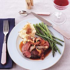... shallot mashed potatoes roast beef with wild mushroom sauce and