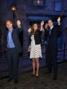 Kate visits the Warner Bro. Studio where Harry Potter was filmed......jealous!