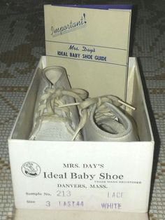 Antique Leather Baby Shoes MRS DAYS IDEAL (2-4 mths) Original Box & Guide 1940s