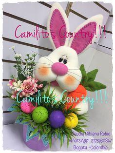 Peta, Wreaths, Christmas Ornaments, Holiday Decor, Bunny, Easter Decor, Easter Bunny, Bogota Colombia, Felting