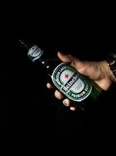 Heineken Beer - Alcohol Heinekenexperience Heineken Beer Adult Hand Drinking Beer Drinks Drink Time Cerveza Heineken Cerveza Alcoholic Drink Alcohol