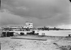 Aeroporto de Lisboa, Portugal  Fotógrafo: Estúdio Horácio Novais.  Fotografia sem data. Produzida durante a actividade do Estúdio Horácio Novais, 1930-1980.