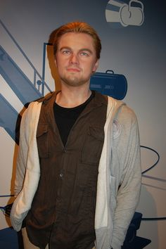 Leonardo DeCaprio - Madame Tussauds Wax museum, Hollywood - Take my picture by this please :) Famous Celebrities, Celebs, British Royal Family Members, Tussauds London, Wax Statue, Museum Art Gallery, Wax Museum, Madame Tussauds, Hollywood