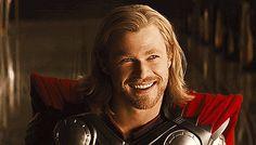 Lanzan la primera foto oficial de Thor: Ragnarok y tenemos que hablar del cambio de look de Thor.