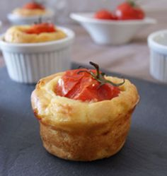 Cake à la tomate farcie, la recette d'Ôdélices : retrouvez les ingrédients, la préparation, des recettes similaires et des photos qui donnent envie !