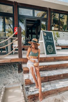 The Season's Biggest Bikini Trend – Southern Curls Pearls Mexico Vacation Outfits, Tropical Vacation Outfits, Hawaii Outfits, Honeymoon Outfits, Cruise Outfits, Pool Outfits, Summer Outfits, Southern Curls And Pearls, Beach Poses