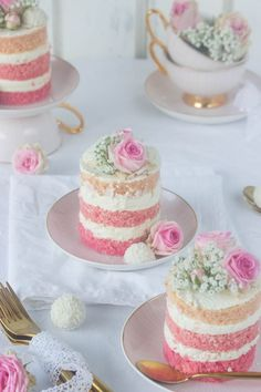 Pink coco tarts & new favorite dishes * Cupcake cakes, cake, tea cakes Pink coco tarts & new favorite dishes * We . Tea Cakes, Mini Cakes, Mini Wedding Cakes, Pretty Cakes, Beautiful Cakes, Bolos Naked Cake, Delicious Desserts, Dessert Recipes, Tea Party Desserts