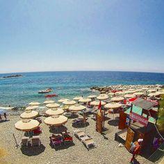 Il buongiorno di oggi dalla spiaggia di #pomonte nello scatto di @alessio_gambini. Continuate a taggare le vostre foto con #isoladelbaapp il tag delle vostre #vacanze all'#isoladelba. Visita http://ift.tt/1NHxzN3