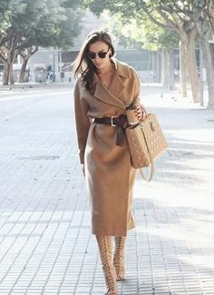 Amazing Winter Outfits with a Camel Coat to Stay Chic and Warm Classy Outfits, Stylish Outfits, Beautiful Outfits, Look Fashion, Winter Fashion, Fashion Outfits, Womens Fashion, Outfits Inspiration, Style Inspiration