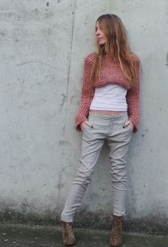 womens pink sweater pink cropped sweater / cropped door ileaiye