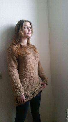 Купить или заказать Мастер-класс инструкция по вязанию свитера цвета в интернет-магазине на Ярмарке Мастеров. Мастер-класс (пошаговая инструкция) на русском языке (возможна англоязычная версия) содержит описание и 10 фотографий процесса. Описание дано на размеры 36-38 и 40-42 европейские (44-46 и 48-50 российские) Для изготовления этого изделия нужны базовые навыки вязания. Мастер-класс в формате PDF будет выслан на ваш электронный адрес в течение 24 часов после поступления оплаты.