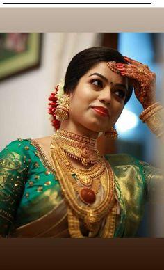 Bridal Silk Saree, Saree Wedding, Wedding Bride, Wedding Ideas, Indian Wedding Jewelry, Indian Bridal Wear, Bridal Jewellery, Indian Weddings, South Indian Wedding Hairstyles