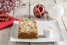 Lo sformato di lenticchie con crema al pecorino è un secondo vegetariano facile da fare. Un'ottima ricetta natalizia che abbina un polpettone vegetale, ricco di gusto, a una crema al pecorino inebriante. Tiramisu, Ethnic Recipes, Christmas, Food, Vegetarian, Cream, Xmas, Essen, Navidad