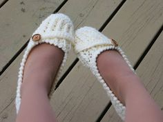 Crochet Dreamz: Anne Lee Slippers, Crochet Slipper Pattern for Women, US sizes 5 to 10