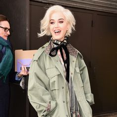 Katy Perry Debuts a New Short Platinum Bob at Marc Jacobs Fall 2017