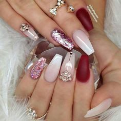 Nail art Christmas - the festive spirit on the nails. Over 70 creative ideas and tutorials - My Nails Diva Nails, Glam Nails, Fancy Nails, Beauty Nails, Glitter Nails, Cute Nails, Pretty Nails, Gold Glitter, Staleto Nails