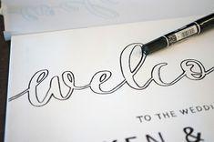 プレ花嫁必見!所要時間30分、結婚式ウェルカムボードの基本的な作り方【無料テンプレート】 / ウェルカムスペース ウェルカムボード ハンドレタリング 装飾アイテム / WEDDING | ARCH DAYS Space Wedding, Wedding Paper, Wedding Images, Wedding Tips, Diy Wedding Welcome Sign, Paper Mache Animals, Welcome Boards, Diy And Crafts, Wedding Decorations
