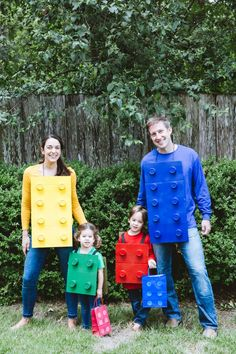 DIY LEGO costumes made out of cardboard, plastic cups, and a hot glue gun! : DIY LEGO costumes made out of cardboard, plastic cups, and a hot glue gun! Lego Halloween, Diy Halloween Costumes For Kids, Halloween Crafts, Diy Lego Costume, Cardboard Costume, Cardboard Crafts, Halloween Stuff, Halloween Halloween, Vintage Halloween