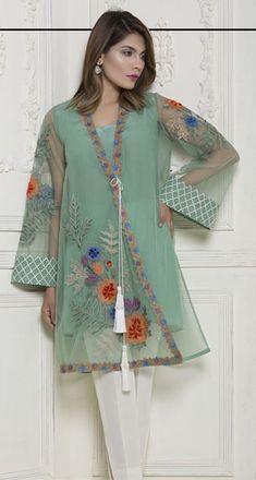 Shadi Dresses, Pakistani Formal Dresses, Pakistani Wedding Outfits, Pakistani Dress Design, Indian Dresses, Kurta Designs Women, Kurti Neck Designs, Stylish Dresses, Fashion Dresses