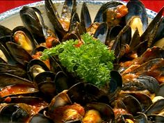 Get this all-star, easy-to-follow Mussels Marinara recipe from Robert Irvine