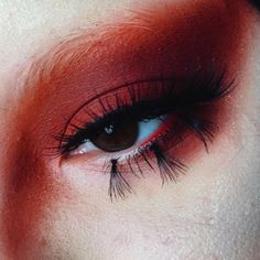 Anna's breathtakingly uncanny way of utilizing makeup products brings a whole new perspective to the MUA industry. If you're looking for more wild inspiration when it comes to your makeup, check out Anna on Instagram for your daily dose of drama. More: http://blog.furlesscosmetics.com/anna-regaldo/