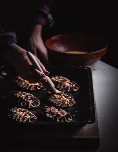 Herkulliset perinteiset karjalanpiirakat   Resepti Finnish Recipes, Rice Porridge, Vintage Cooking, Freshly Baked, Yummy Snacks, Pie Recipes, Tray Bakes, Food Photography