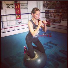 Adriana Lima - boxing workout