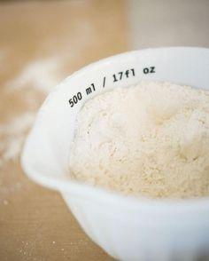 Tämä peltilihapiirakka on paras kaikista - syy taikinassa Ice Cream, Sugar, Desserts, Food, Ice Creamery, Postres, Icecream Craft, Deserts, Hoods