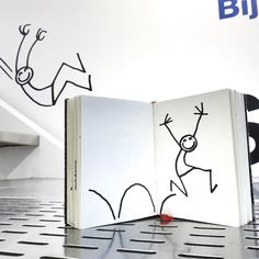 Hop! Hop! Hop! Chez @colette !!! #elyxyak #colette #exhibition #goodmorning