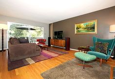 Love the mid-century furniture in this room!