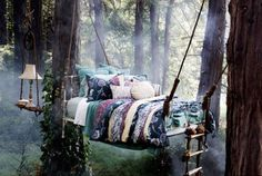 Dreamy bed! Straight out of a fairy tale.