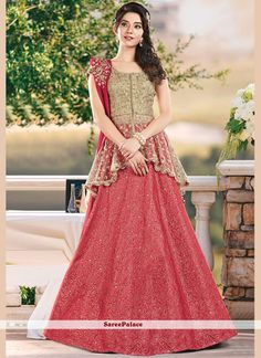Attractively gorgeous mesmerizing is what you will look at the next wedding gala wearing this beautiful Fanciful Red and Cream Color Jacquard Silk Lehenga Choli. This stylish lehenga will catch the attention in the middle of the crowd. Lehenga Choli Designs, Lehenga Choli Online, Lehenga Designs Latest, Kids Lehenga Choli, Indian Lehenga, Sarees, Designer Party Wear Dresses, Indian Designer Outfits, Designer Wear