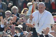 Noch bevor die Entscheidung über den neuen Papst bereits gefallen war, liefen die Wettbüros heiß, denn es konnte gewettet werden, wer der neue Papst sein würde. Jedes Mal bei einem Ereignis wie diesem nutzen die Buchmacher die Gelegenheit, um die außergewöhnlichsten Wetten zu einem Thema anzubieten, so auch rund um die Thematik zum Papst.