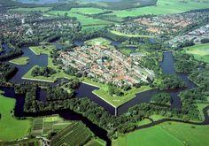 Наарден (Naarden) — город–крепость в форме звезды в Нидерландах